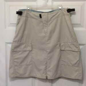 Patagonia skirt w cargo pockets great condition